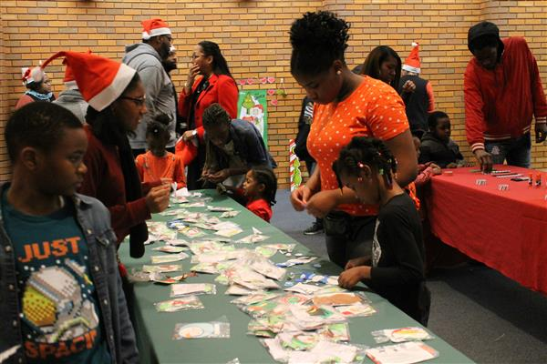 Mount Vernon Families Enjoy District's A Very Merry Holiday